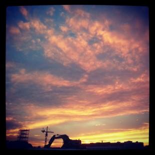 instagram_gravemaskin_i_solnedgang