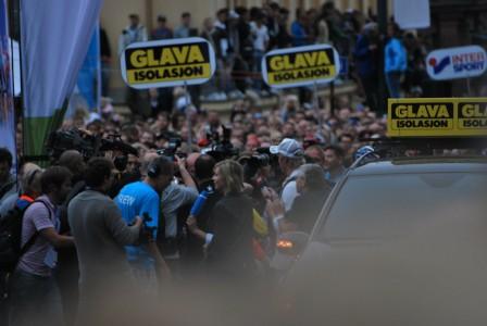 Oslo Grand Prix - Journalistene flokker seg rundt Lance Armstrong