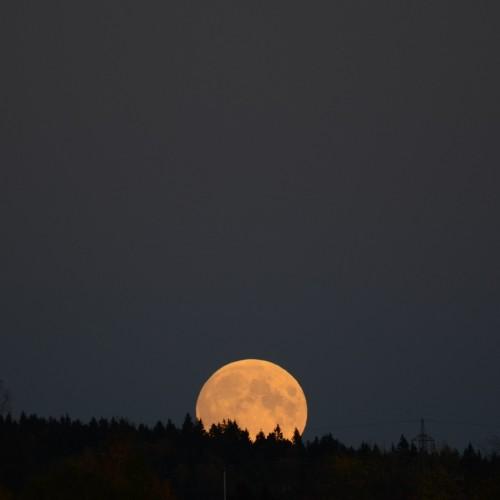 fullmoon_moonrise_28okt2013